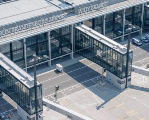 Aeroporti i Berlinit drejt hapjes